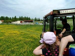 Balade en tracteur avec les MS-GS et Marc Rubio, le fermier.